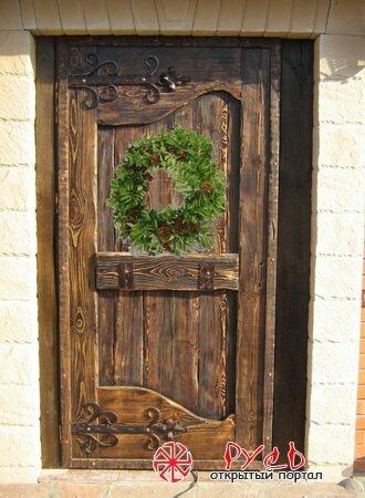 Оберег над входной дверью