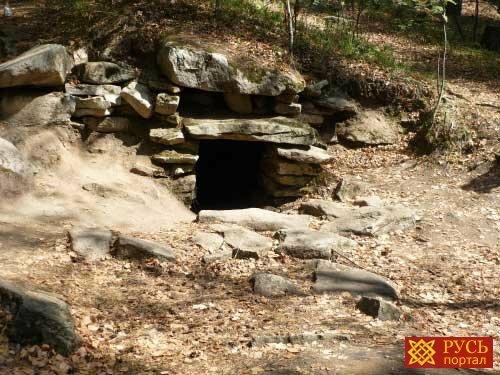 Почему уникальным мегалитам на острове Веры не присвоен статус памятников археологии.
